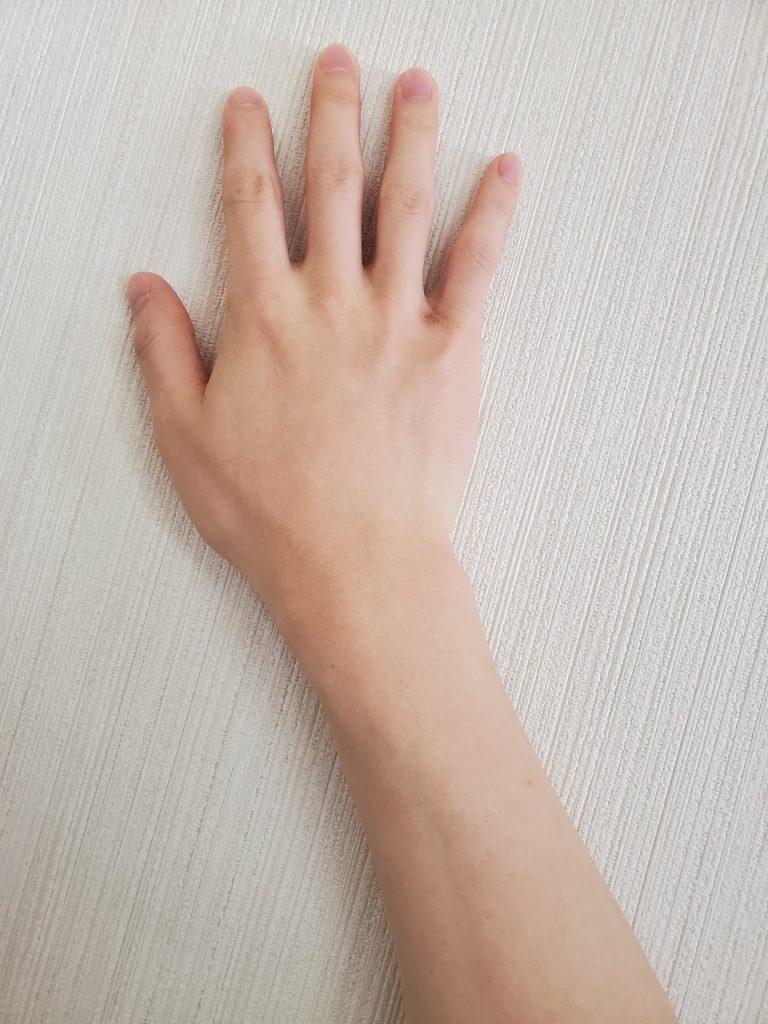 くせ毛丸の手